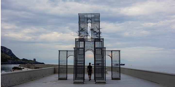 Wire Mesh Sculpture 08.09.15.png